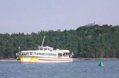 Parník na Máchově jezeře