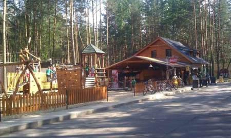 Hřiště nedaleko Chatové osady Čtyřlístek u Mácháče
