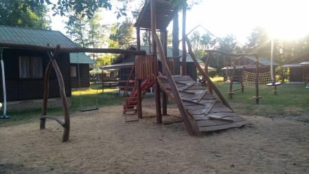 Prolejzačky v chatové osadě Čtyřlístek u Máchova jezera